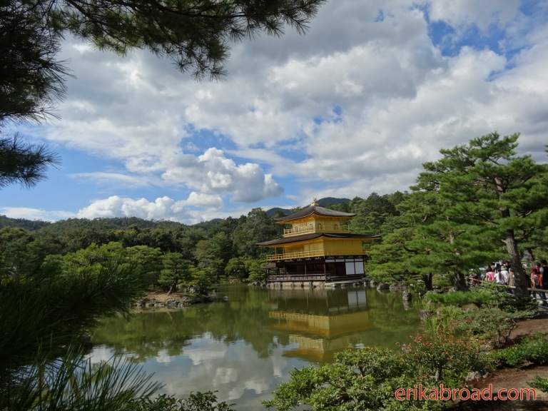 The Golden Temple in Kyoto (金閣寺)