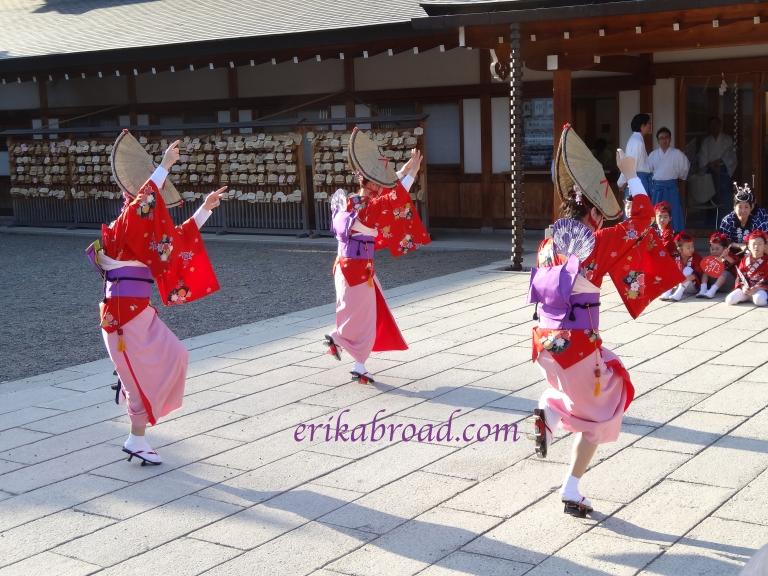 Shrine Dance 2
