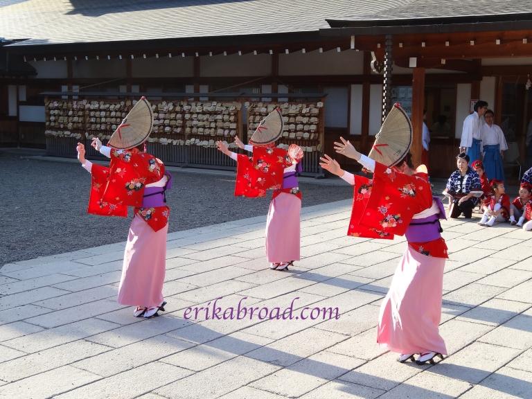 Shrine Dance 3